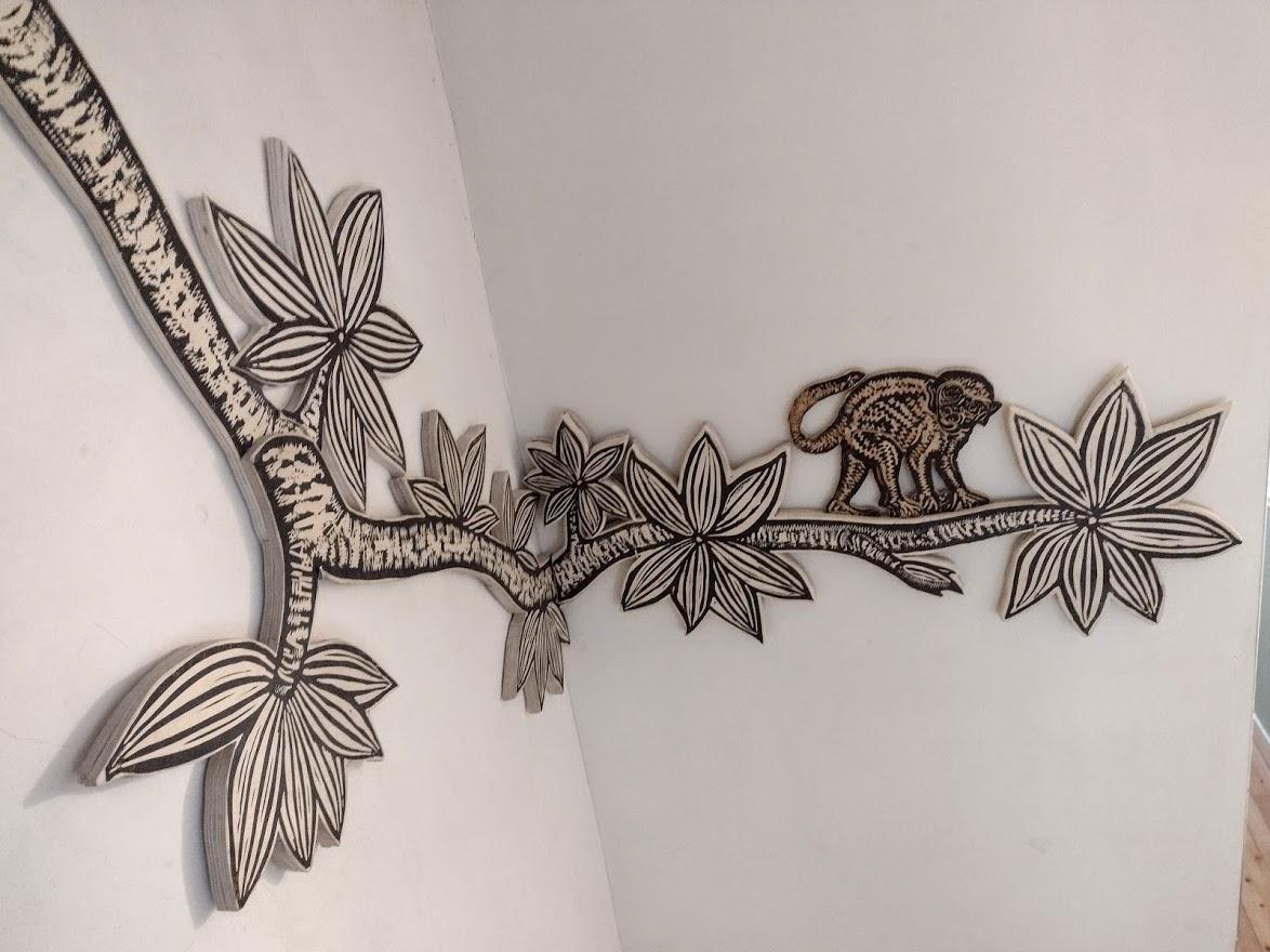 kunstwerk Ondine de Kroon in trappenhuis
